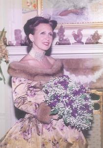 Wedding gown by Oscar de la Renta